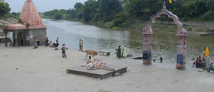 Asthi Visarjan in Shaktibeah Tirth, Avantika